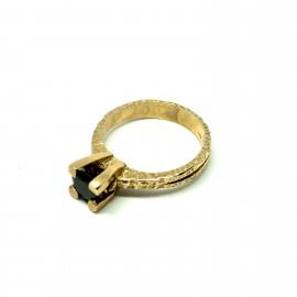 Nelson anello solitario dorato bl